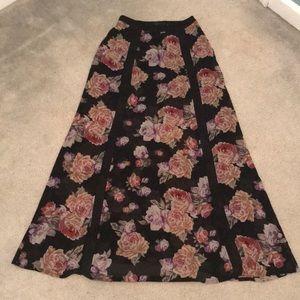 🚨 3/$20🚨 Floral Maxi Skirt 🌺